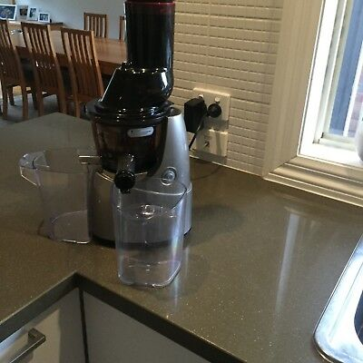 Kuvings Cold Press whole juicer and smoothie attachment