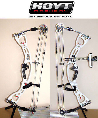 Hoyt Rampage Dual cam R/H compound bow with accessories