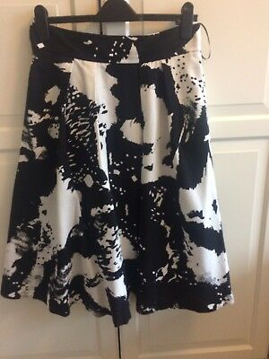 Black And White Coast Skirt 12