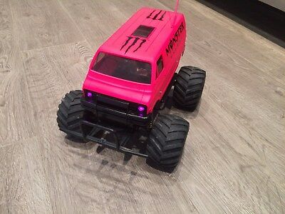 Tamiya Lunchbox with Brushless Motor Very Fast