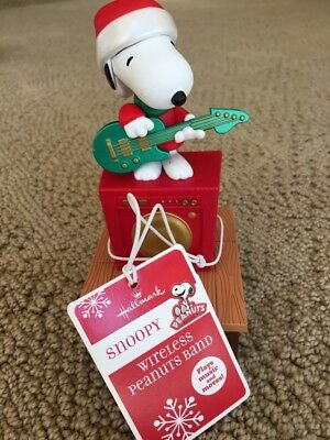 Hallmark Peanuts 2011 Wireless Band Snoopy Playing Guitar Pre-owned Rare