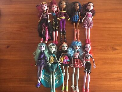 10 Monster High Dolls