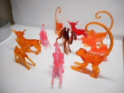 10 x Vintage Plastic Drink Hanger ANIMALS!
