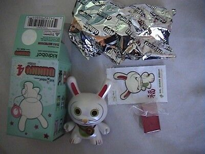 Kidrobot Series 4 - Fortune Cat Eyes Open - Shane Jessop Dunny  3""