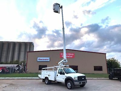 Ford F550 Bucket Truck Altec At200-A New Engine Runs Great Nice Diesel 2005 2006