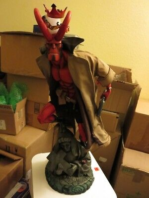 Sideshow Collectibles Hellboy Mike Mignola Premium Format Exclusive!