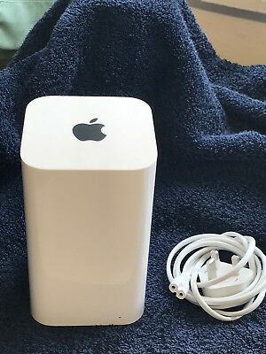 Apple AirPort Extreme 1331 Mbps Wireless AC Router (A1521) excellent condition