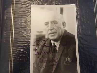 Lionel Jeffries Autograph Signed Photo