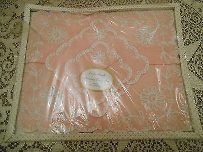 Vintage Boxed Dressing Table Set Pink Swiss Embroidery Bedroom Valentine Mats