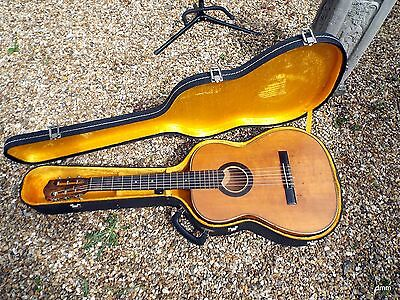 guitar with hard case,,, no reserve