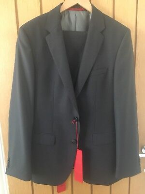 """Hugo Boss Suit - Grey - 38"""" chest - 32"""" trousers - Cost £580"""