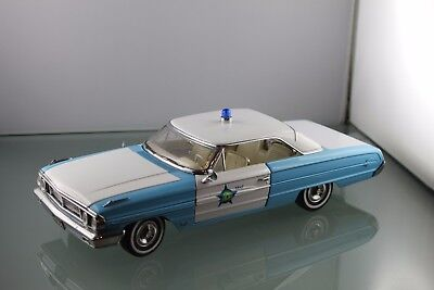 SUN STAR FORD GALAXIE 500 1964  POLICE blau weiß  1 / 18 No Box