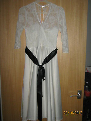 Fabulous Ladies Short Wedding Dress from BHS size 8....new with tags