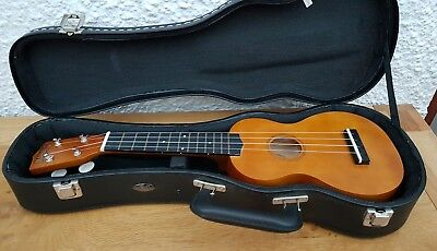 Mahalo U50 Nubone  Ukulele with Hard Case