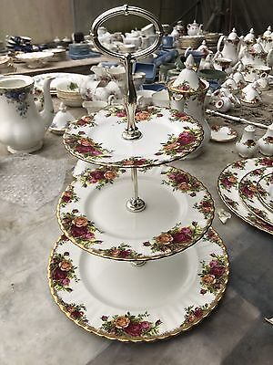ROYAL ALBERT OLD COUNTRY ROSE Three Tier Cake  STAND