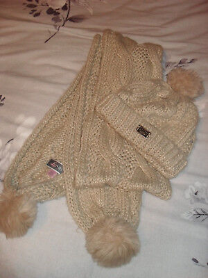 Lipsy London chunky knit hat and scarf