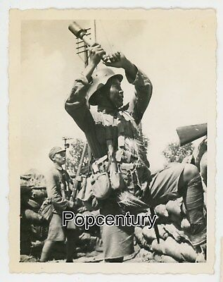 Pre WW2 1937 China Photograph Battle Shanghai Nationalist Soldiers Grenade Photo