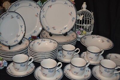Noritake Keltcraft Eastfair Dinner Service For 8 Plates Cups Saucers Christmas