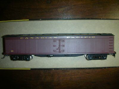 HO scale Canadian Pacific express reefer
