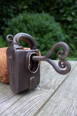 Antique vintage padlock with one key, working order, collector, hobby 25-01