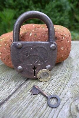 Antique vintage padlock with one key, working order, collector, hobby 25-04