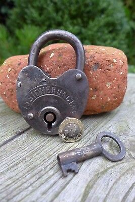 Antique vintage padlock with one key, working order, collector, hobby 25-06