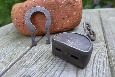 Antique vintage padlock with one key, working order, collector, hobby 25-09