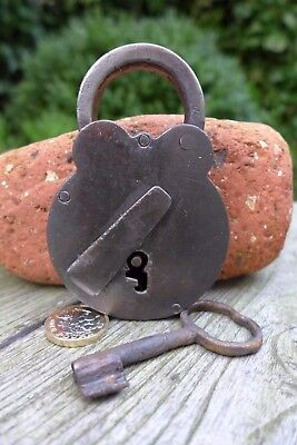 Antique vintage padlock with one key, working order, collector, hobby 25-10