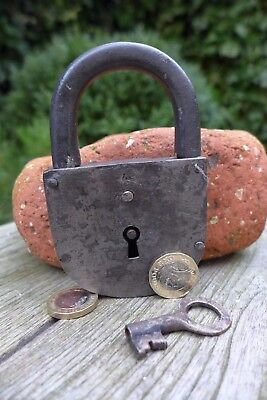 Antique vintage padlock with one key, working order, collector, hobby 25-14