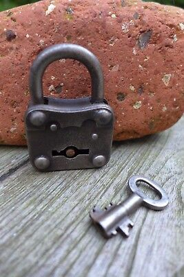 Antique vintage padlock with one key, working order, collector, hobby 25-17