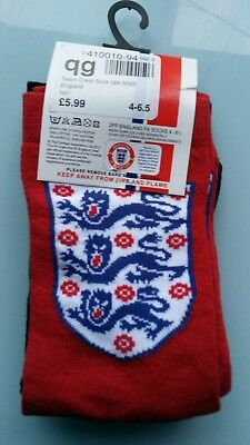 soc534) 2 pairs of childs official England football socks kids size 4 - 6.5 BNIP