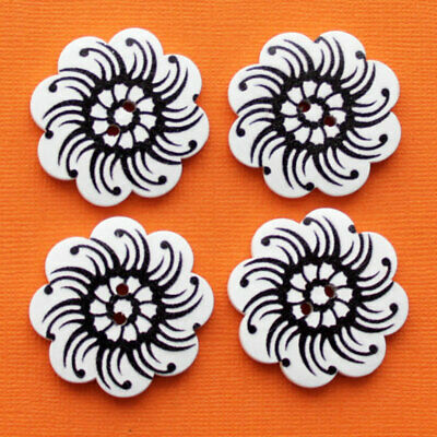 BUT324 4 Large Wood Buttons Daisy Floral Design 37mm