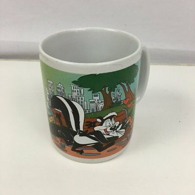 Pepe Le Pew Penelope Pussycat Warner Brothers Coffee Mug 30 oz L'AMOUR DU JOUR