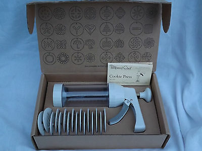 Pampered Chef Cookie Press  set #1525  Excellent Used Condition with Box