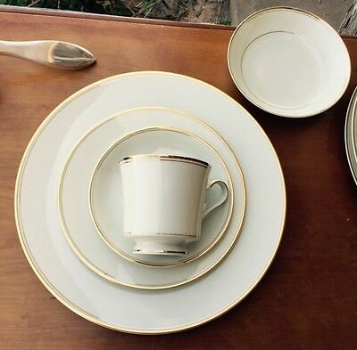 5 pc Mikasa TROUSDALE place setting,DINNER PLATE/SALAD/FRUIT/C&S,gold on ivory