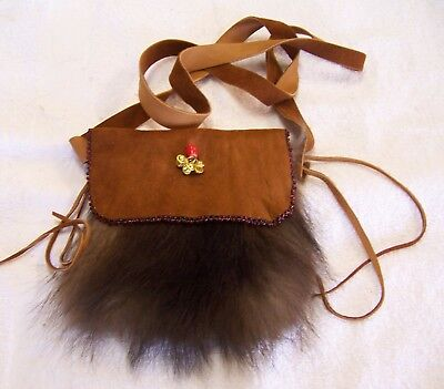 Hand Made Beaded Raccoon Fur Pouch Rendezvous Black Powder Mountain Man 7