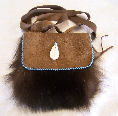Hand Made Beaded Raccoon Fur Pouch Rendezvous Black Powder Mountain Man 9