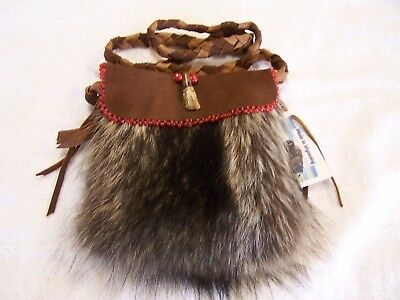 Hand Made Beaded Raccoon Fur Pouch Rendezvous Black Powder Mountain Man 10