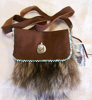 Hand Made Beaded Raccoon Fur Pouch Rendezvous Black Powder Mountain Man 11