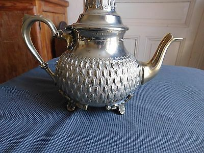 Beautiful and lourde Jug tea coffee silver plated metal golden Maghreb poiconnee