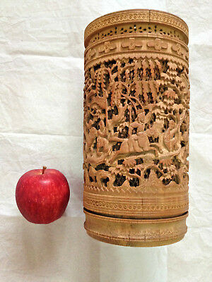 19th CENTURY LARGE CHINESE CANTON CARVED BAMBOO BRUSH POT WITH WARRIOR AND SMELL