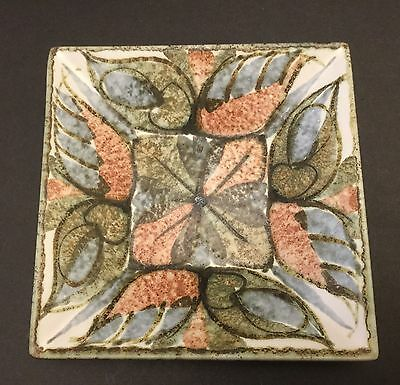 GLYN COLLEDGE SQUARE DISH STUDIO ART POTTERY. Denby Bourne Pottery.