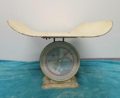 Vintage American Family Nursery Scale 30lbs Max w/ Tray 1950's? Off White SK1407