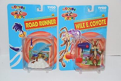 1993 Tyco Looney Tunes Wile E. Coyote & Road Runner Action Figure Lot NEW