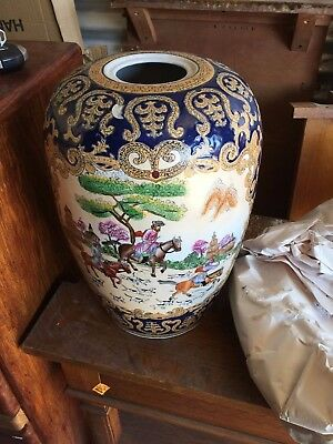 Chinese Export Porcelain Large Pot European Decorated With Hunting Scene Signed