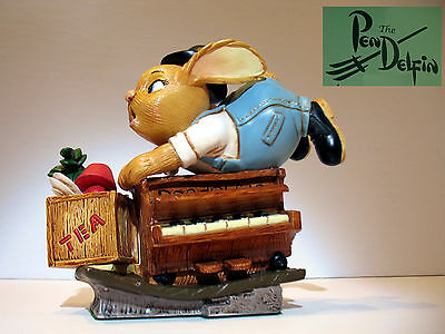 NEW Pendelfin Stan  The Piano Mover  player  figurine rabbit Bunny w/ Box