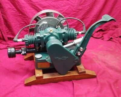 Great Running Maytag Gas Engine Motor Model 72 Twin Wringer Washer #835552