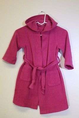 Little girl (4T) hooded Sweet Ivy hot pink bath robe in good condition.