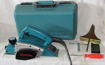 Makita 1900B Power Planer w/ Attachments