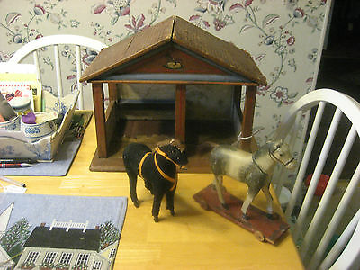 Late 1800S Early 1900S German Horse Stable Made Of Wood/Litho With 1 Horse Nice